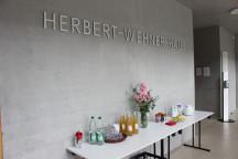 Danach waren unsere Freundeskreismitglieder und Interessierte eingeladen, das Wehnerwerk im Herbert-Wehner-Haus zu besichtigen